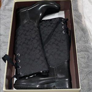 COPY - COACH Tristee 12cm sig c/shiny rubber BLAC…